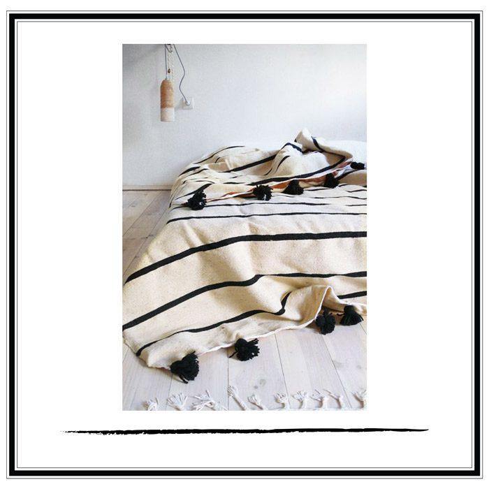 manta marroqui rayas pompon negro